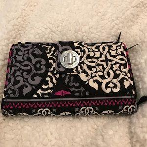 Vera Bradley turn lock wallet canterberry magenta
